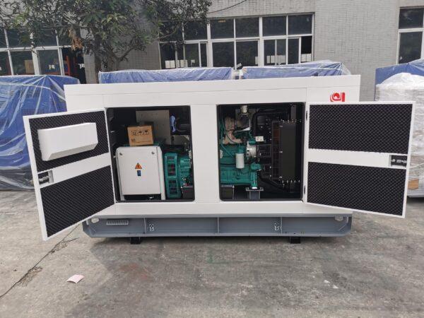 Máy phát điện 150 kVA Cummins nhập khẩu nguyên chiếc từ Trung Quốc