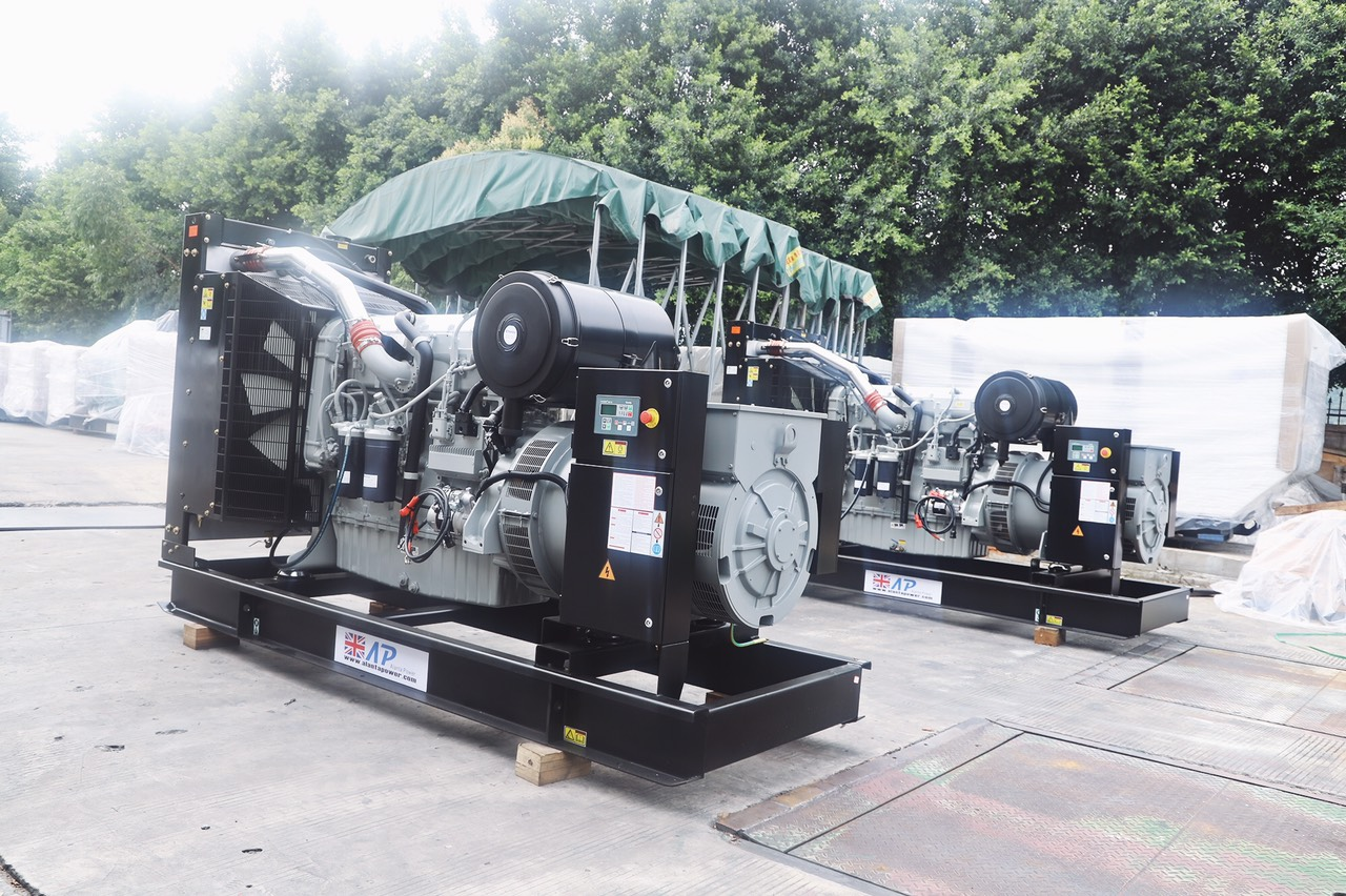 Tổ máy phát điện nhập nguyên chiếc từ Anh Quốc